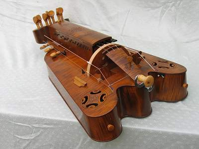 End view of custom Hurdy Gurdy by Chris Allen and Sabina Kormylo