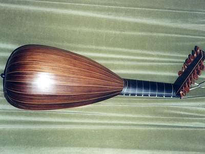 Back view of Hans Frei Lute by Chris Allen and Sabina Kormylo